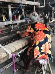 handloom artisans woman weaving
